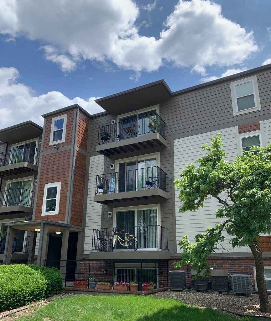 Apartments In Kansas City That Accept Section 8: At Home Apartments Of Kansas City